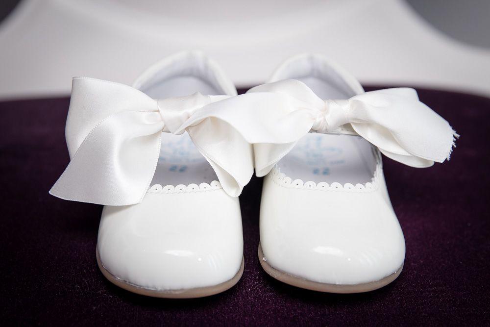 Fotografia de batismo sapatos- fotógrafo de batizado coimbra e condeixa